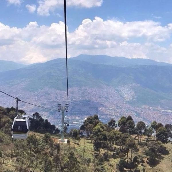Medellín featured image cable line Par Avri